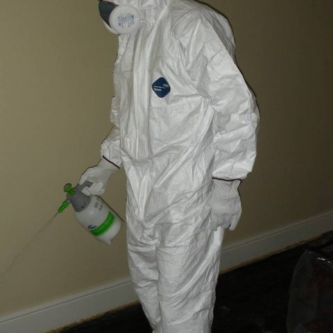 Asbestos spray