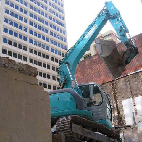 Nth Sydney - Excavator